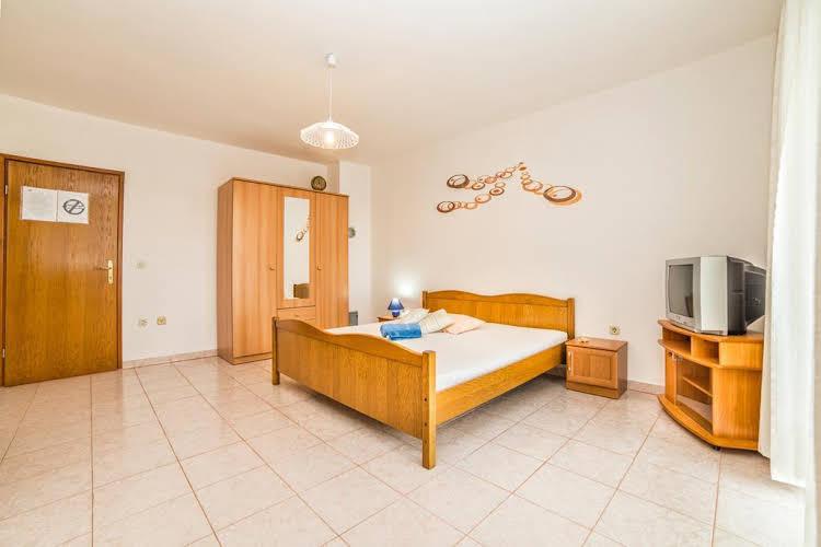 Apartments Leon 239