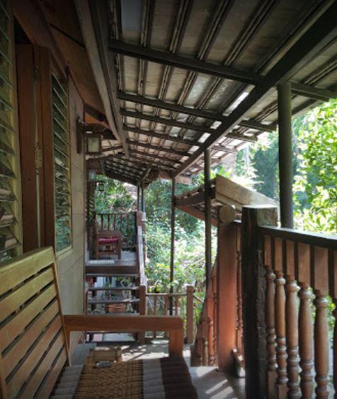 3 Sparrow House
