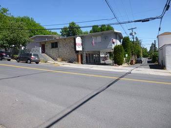 Cougar Land Motel
