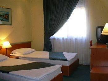 Hotel Grand Raddus JSS