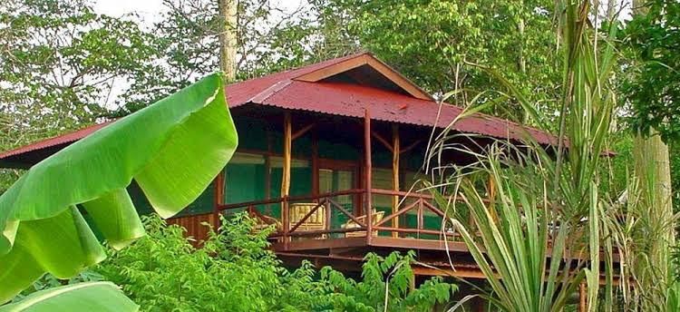 Iguana Lodge & Spa Beach Resort