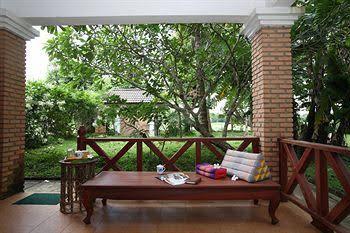 Vansana NamNgum Hotel