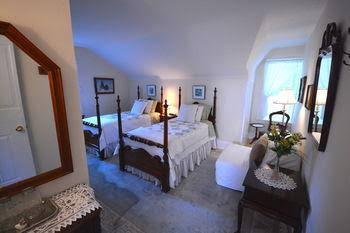 1842 Bed & Breakfast