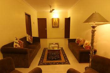 OYO Premium Mumbai Sher E Punjab 186