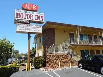 M B Motor Inn