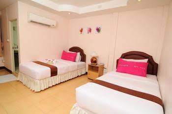 Bed by Tha-Pra Hotel and Apartment