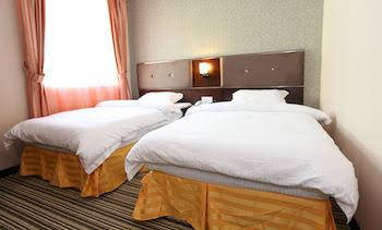 1 City Hotel