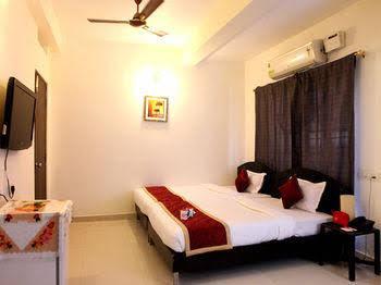 OYO Apartments Somajiguda