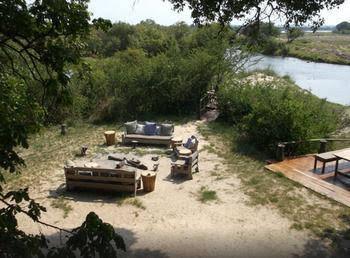 Sindabezi Island Camp