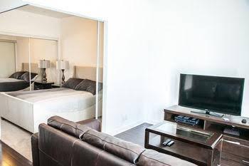 The Corporate Suites - Ice Condos