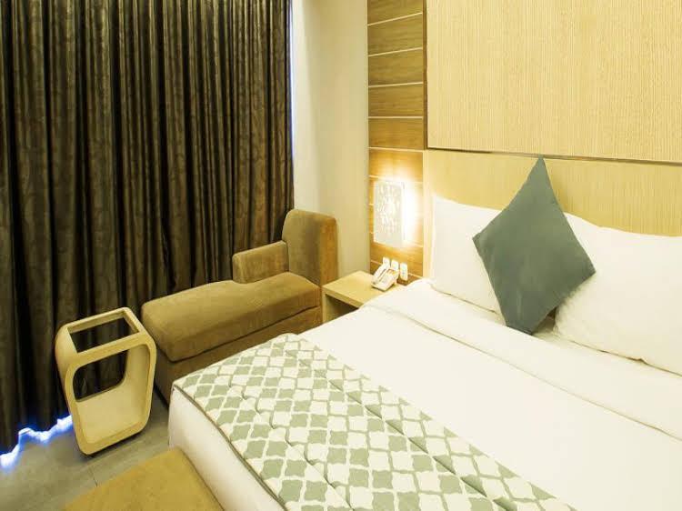 Arnava Ninety 8 Hotel