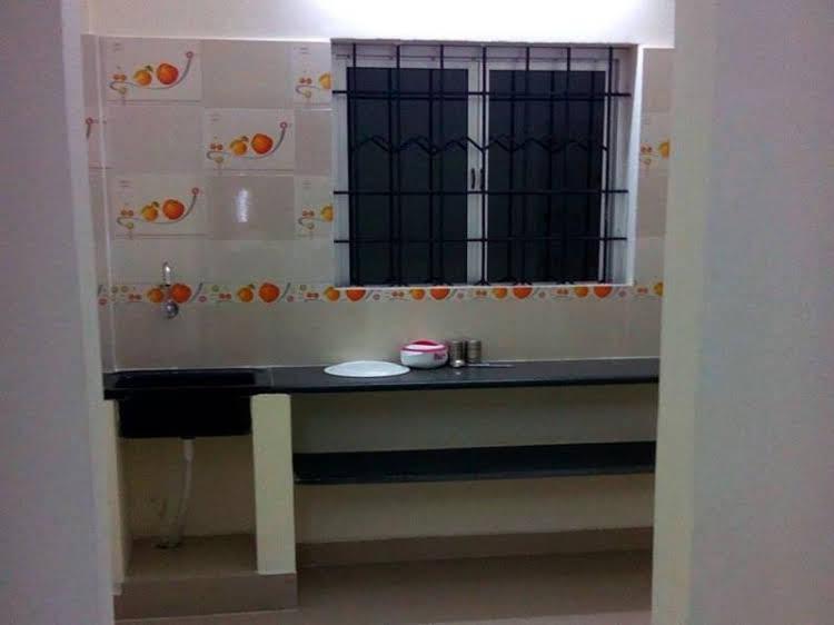 Vista Rooms at Adhiyaman College