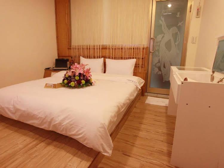 Chuanlai Hotel