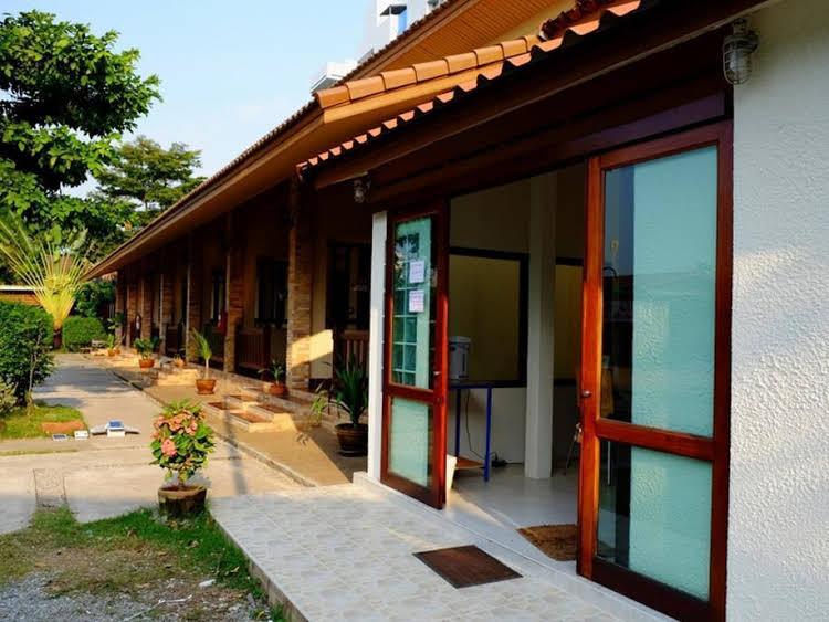 Baan Tawan Resort