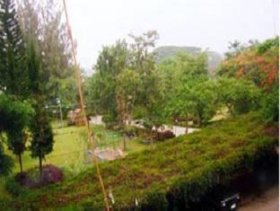 Land Breeze Resort & Hotel Pakchong