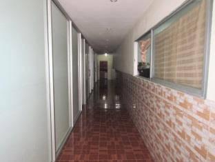 Pagoda Apartments & Hostel