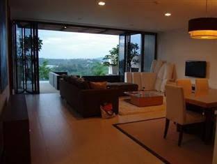 Villa @ The Heights Kata