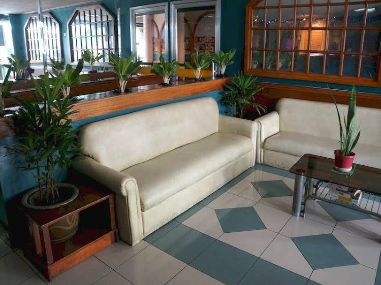 Robelle Hotel Makati