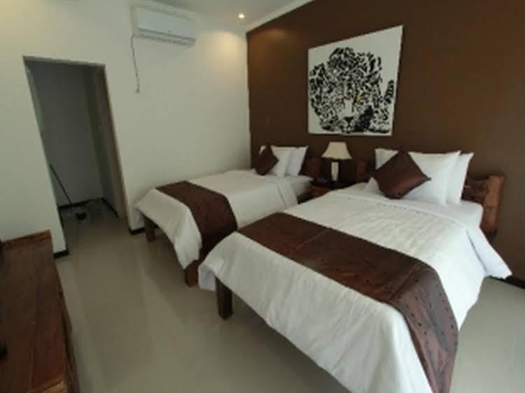 Van Mandri Guest House