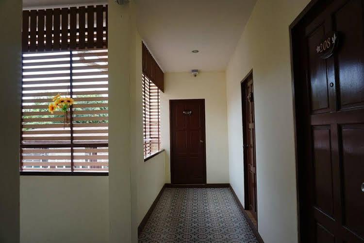 Ponburi Hotel