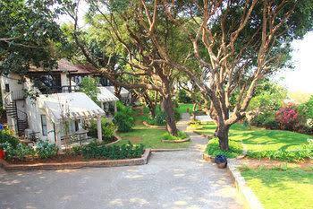 U Tan Farmhouse