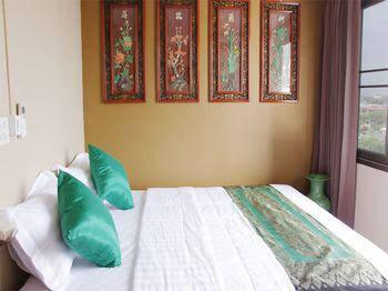 OYO 432 Longzhu Guesthouse near Saint Louis Hospital