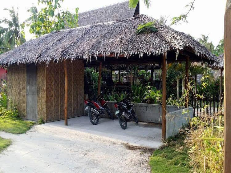 Tiki Bungalows and Bar