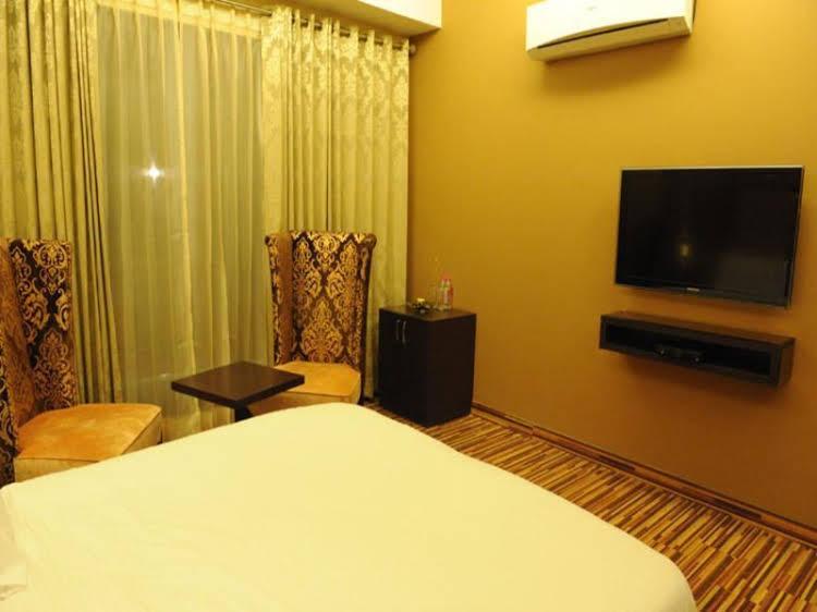 Hotel Oyo Rooms GK 1