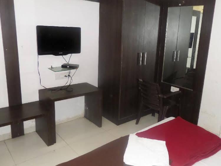 Hotel New Punjab