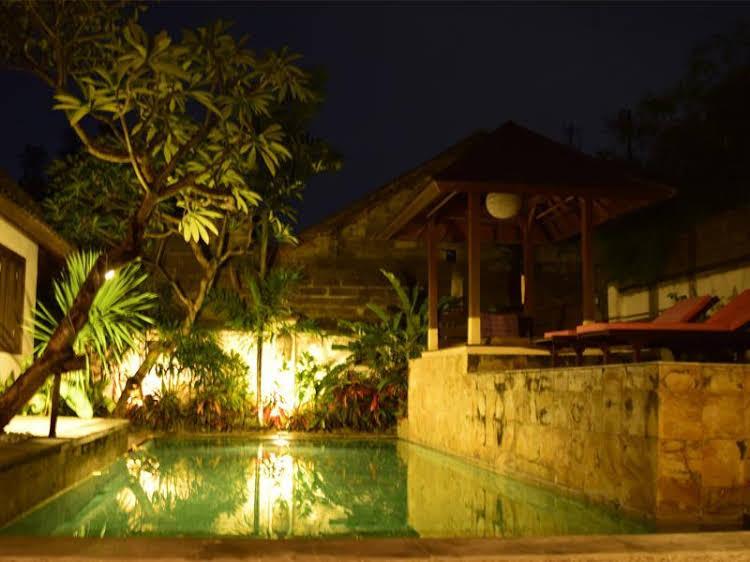 Villa Nisaka Niwasa