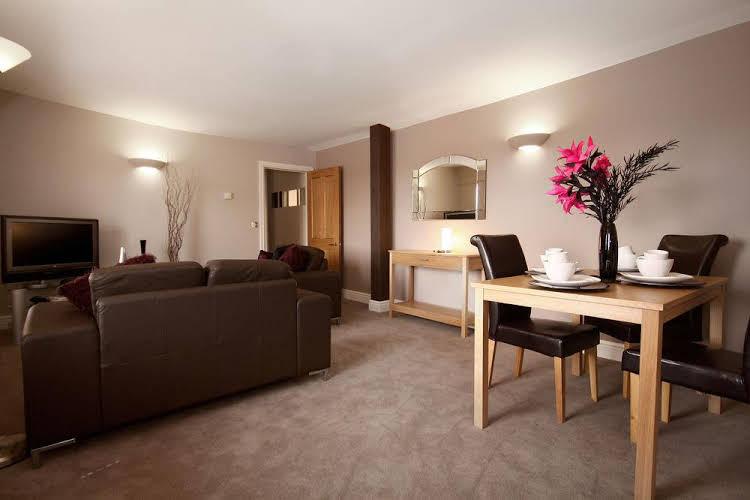 Berkshire Rooms - Wokingham
