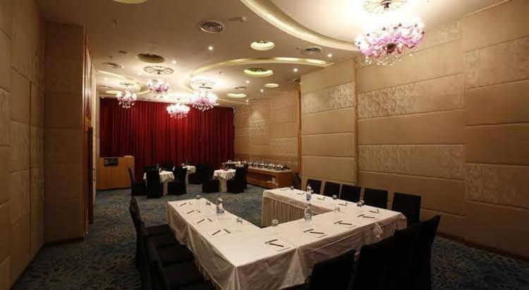 Aureole Hotel Mumbai