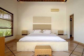 B Villa Pool