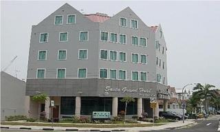 Santa Grand Hotel West Coast