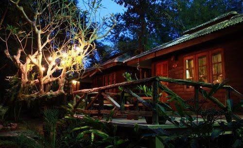 Jungle Bay Resort