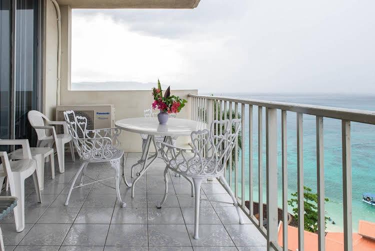 Coral Reef Beach Suite
