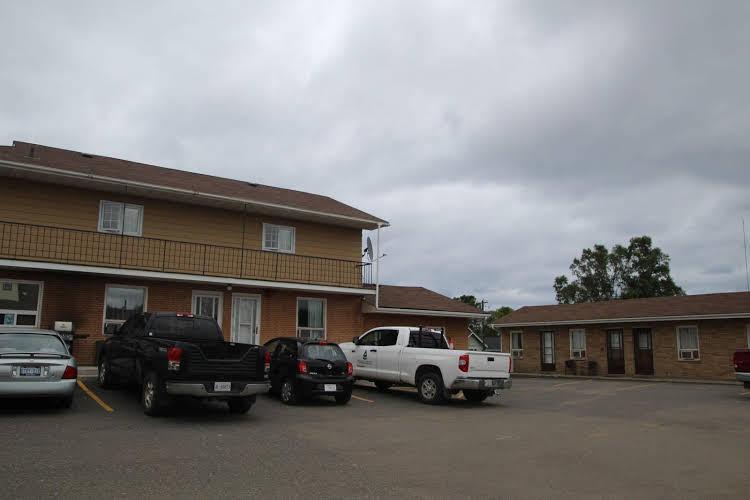Lakehead Motel