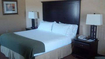 Holiday Inn Express and Suites Frazier Park