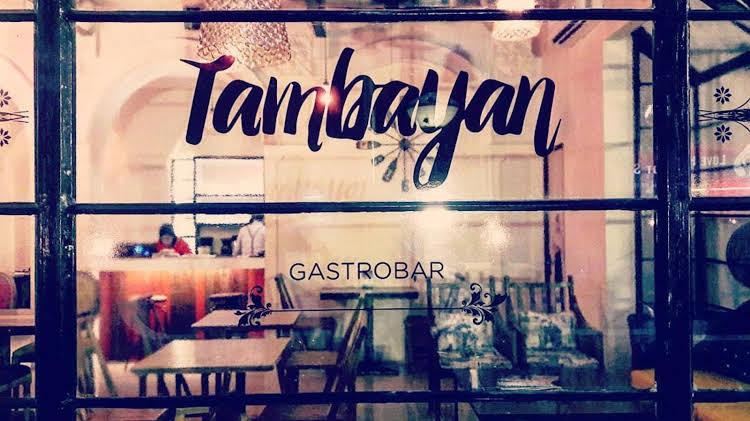 Tambayan Capsule Hostel