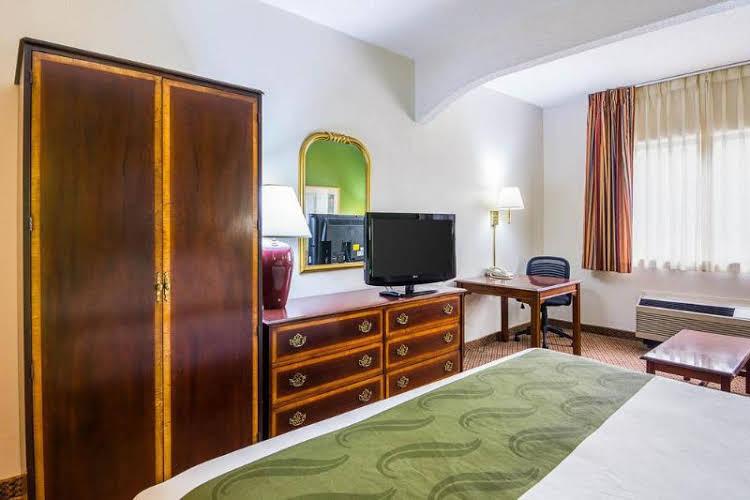 Quality Inn and Suites Kearneysville