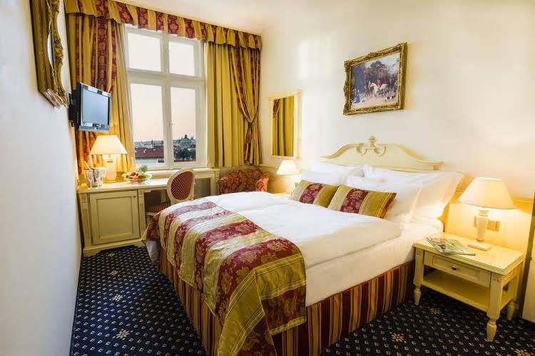Luxury Family Royal Palace