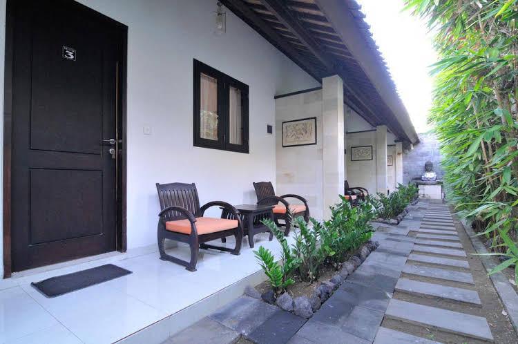 Airy Legian Dewi Sri Empat Kuta Bali