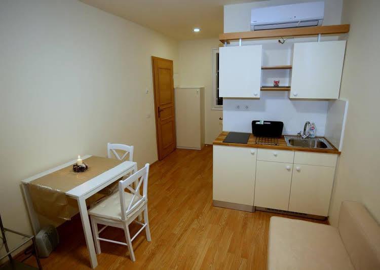 Apartments Srceko