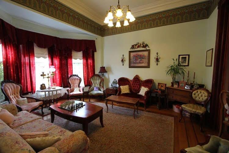 Powers Mansion Inn
