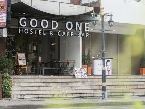 Good One Poshtel & Cafe Bar