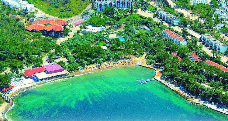 Mavi Holiday Village