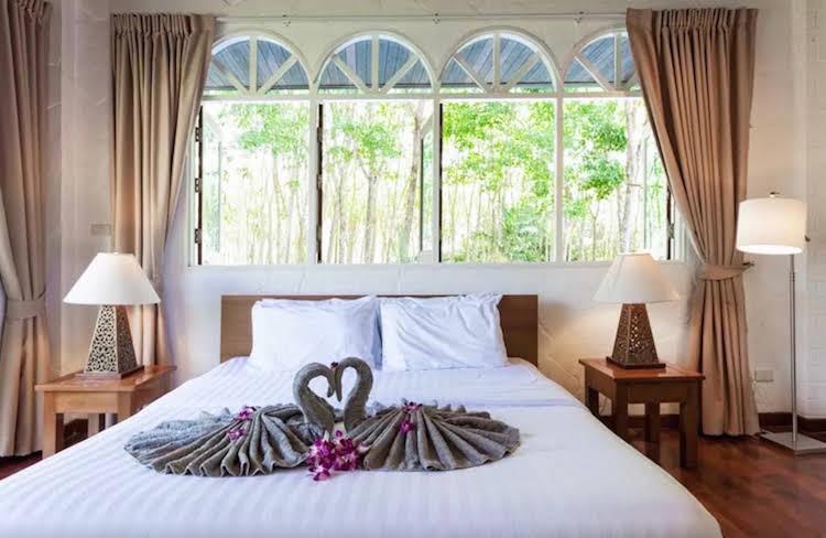 Paklok Traditional Thai villa