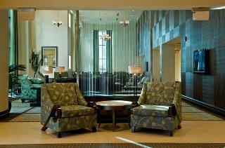 Hampton Inn & Suites National Harbor Alexandria