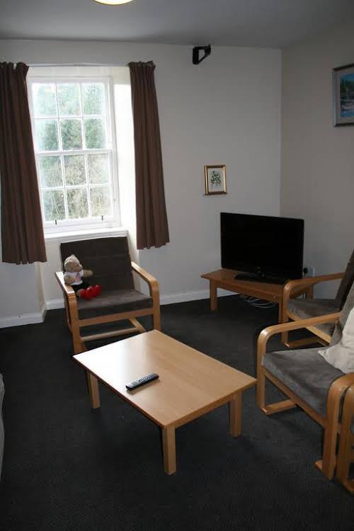 Wee Row Hostel