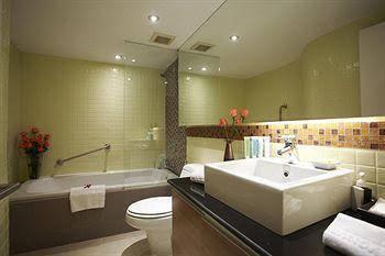 Chin House Luxurious Residence Bangkok